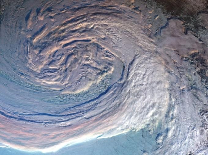 arctic-cyclone-satellite3