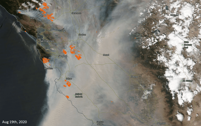 california-wildfires-smoke-cloud-August-19th