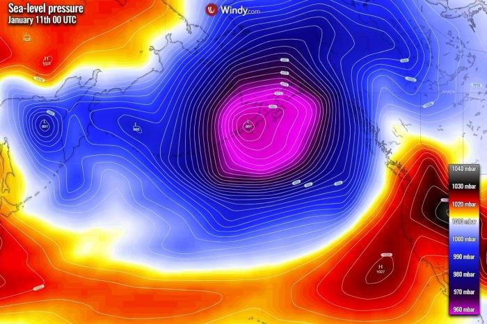 extratropical-storm-alaska-pressure-sunday
