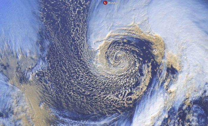 extratropical-storm-alaska-visible-satellite-zoom