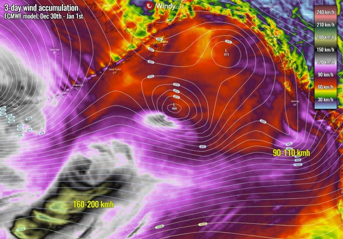 extratropical-storm-bomb-cyclone-pacific-winds-accumulation