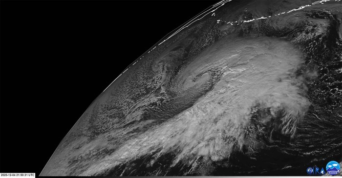 extratropical-storm-waves-alaska-united-states-visible-satellite