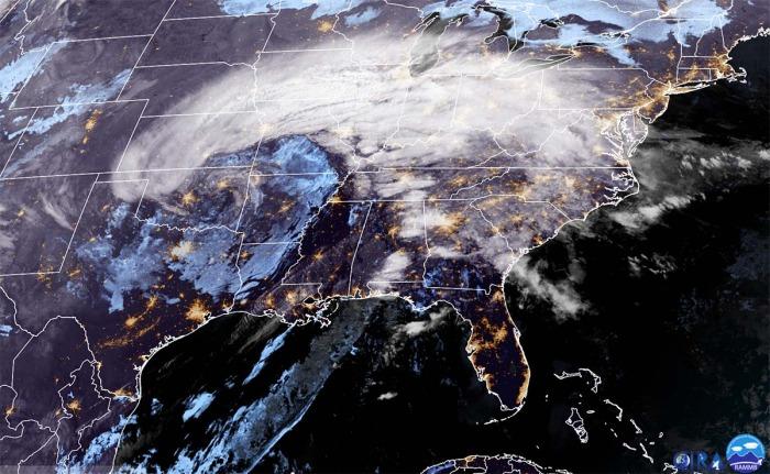 ice-storm-winter-weather-geocolor-satellite