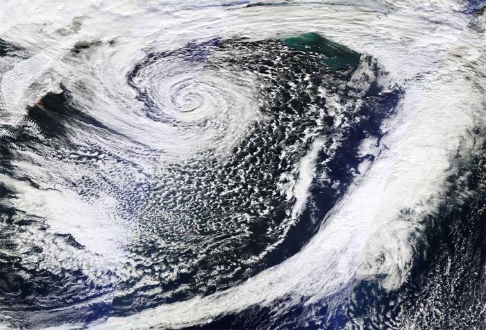 pacific-record-breaking-extratropical-storm-nuri