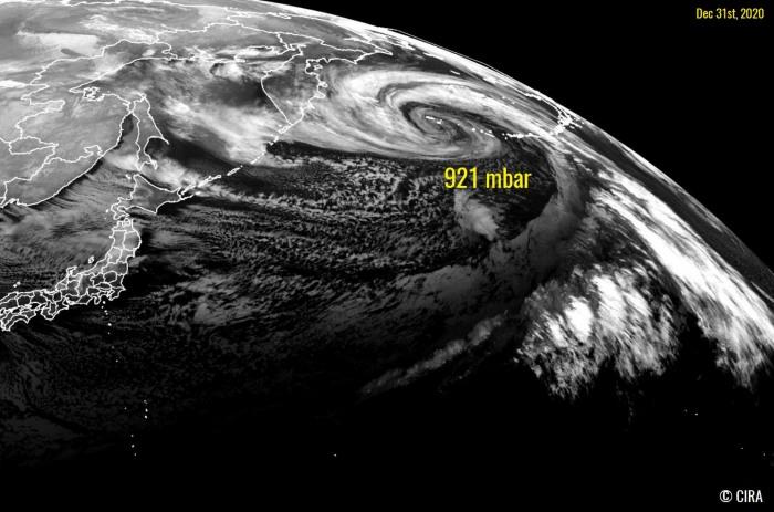 storm-alaska-west-coast-united-states-record-cyclone