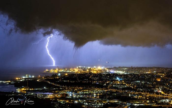 storm-tornado-trieste-italy-winter-lightning-strike