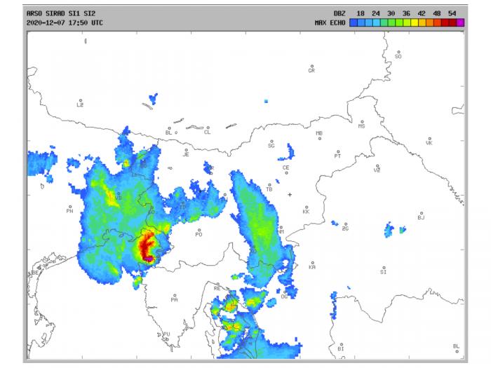 storm-tornado-trieste-italy-winter-radar-1750
