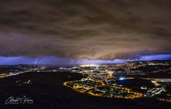 storm-tornado-trieste-italy-winter-supercell
