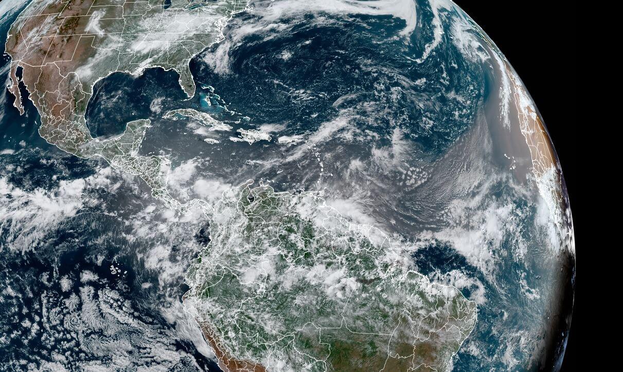 saharan-air-layer-dust-cloud-event-2021-visible-satellite-june-9-north-atlantic