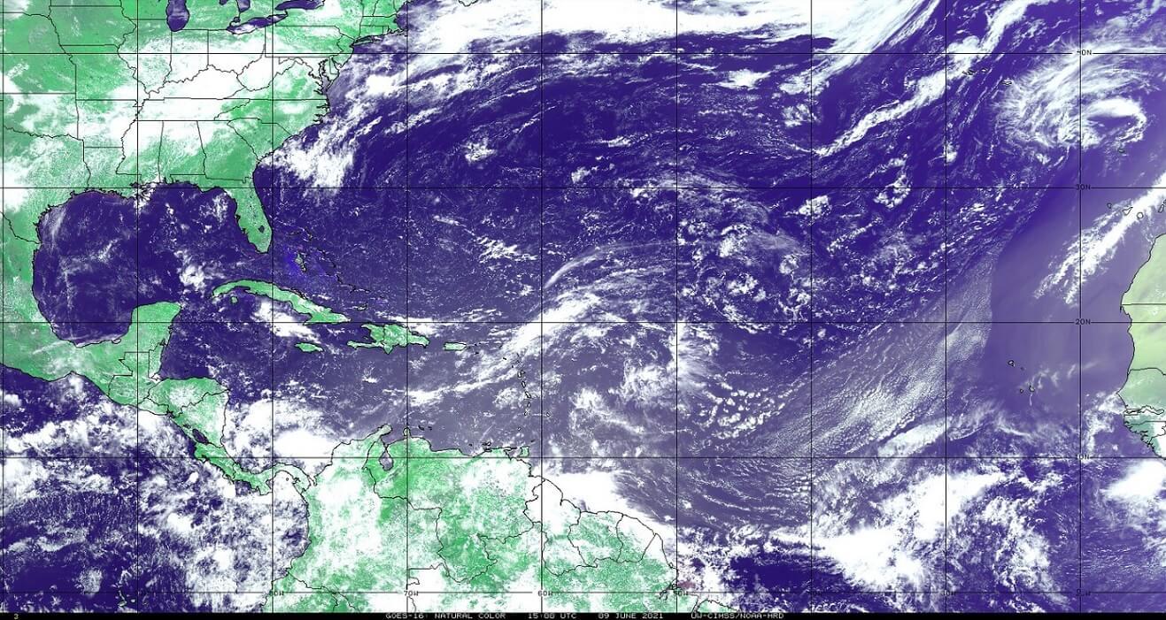 saharan-air-layer-dust-cloud-event-2021-visible-satellite-north-atlantic