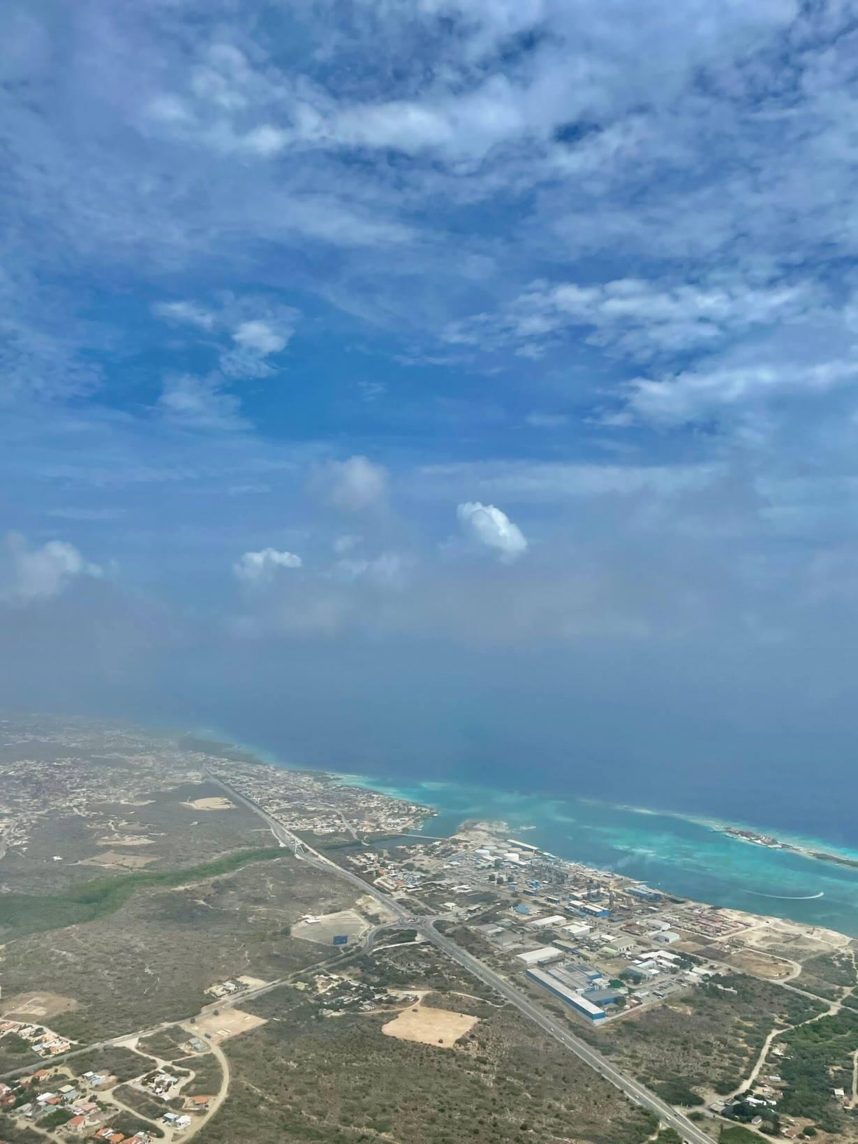 saharan-dust-cloud-haze-aruba-airport