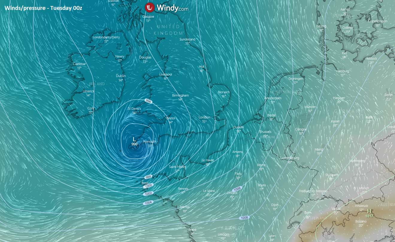 north-atlantic-extratropical-storm-england-english-channel-france-monday-night