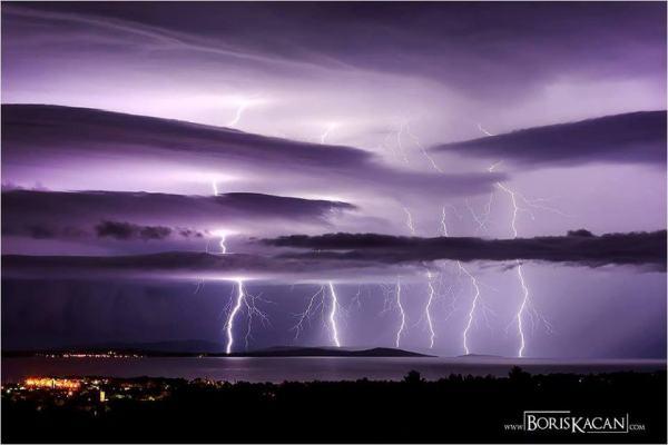 18092016_lightning_1