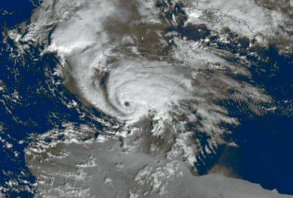 Mediterranean_Hurricane_TLC_dic_2005