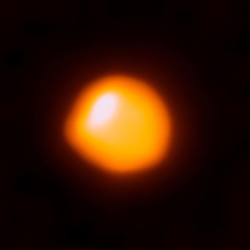 Betelgeuse_captured_by_ALMA-1