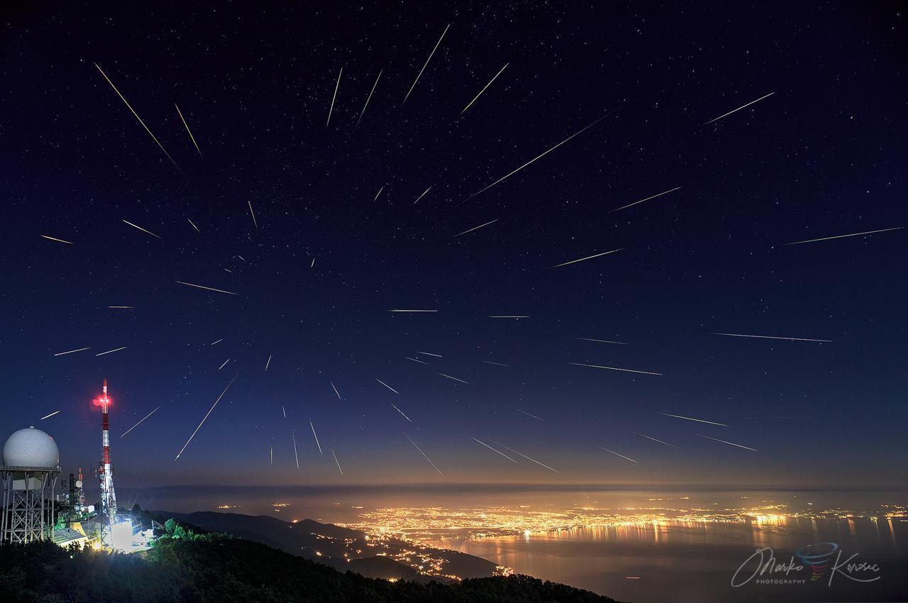 lyrid-meteor-shower-cloud-forecast-2021-perseids-composite