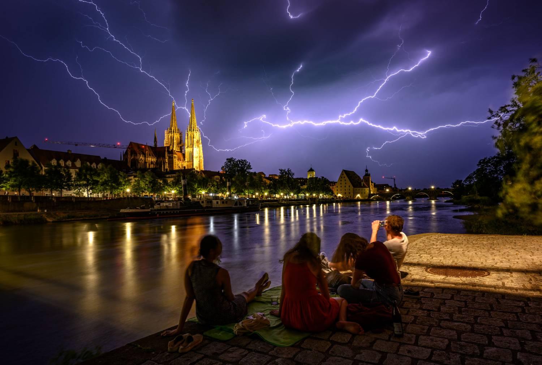 photo-contest-week-25-2021-06-Stefan-Dantinger-lightning