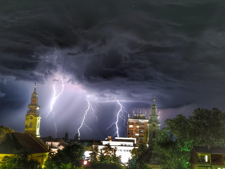 photo-contest-week-25-2021-08-Dragutin-Gaso-Stijepovic-city-lightning
