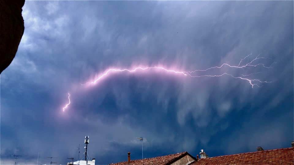 photo-contest-week-26-2021-marco-vercellino-lightning-bolt
