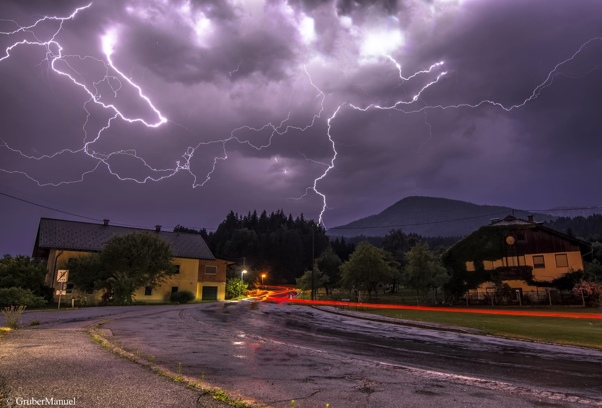 photo-contest-week-27-2021-manuel-gruber-lightning
