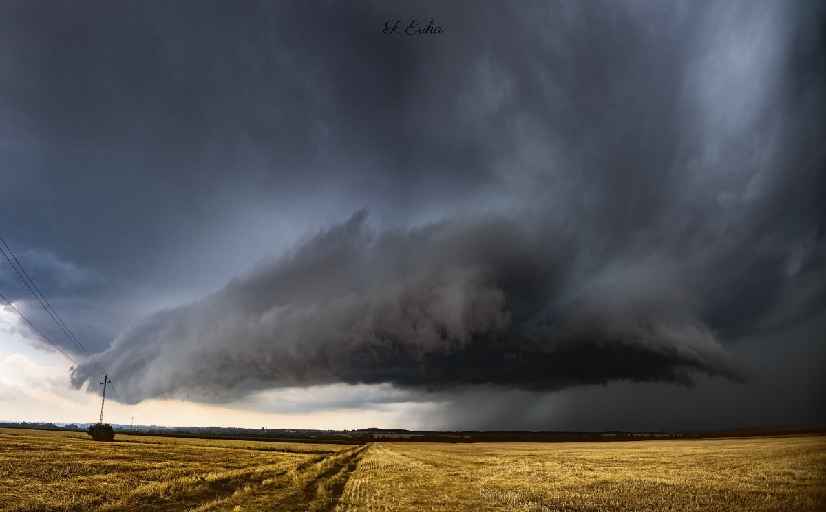 photo-contest-week-28-2021-erika-forro-supercell-storm