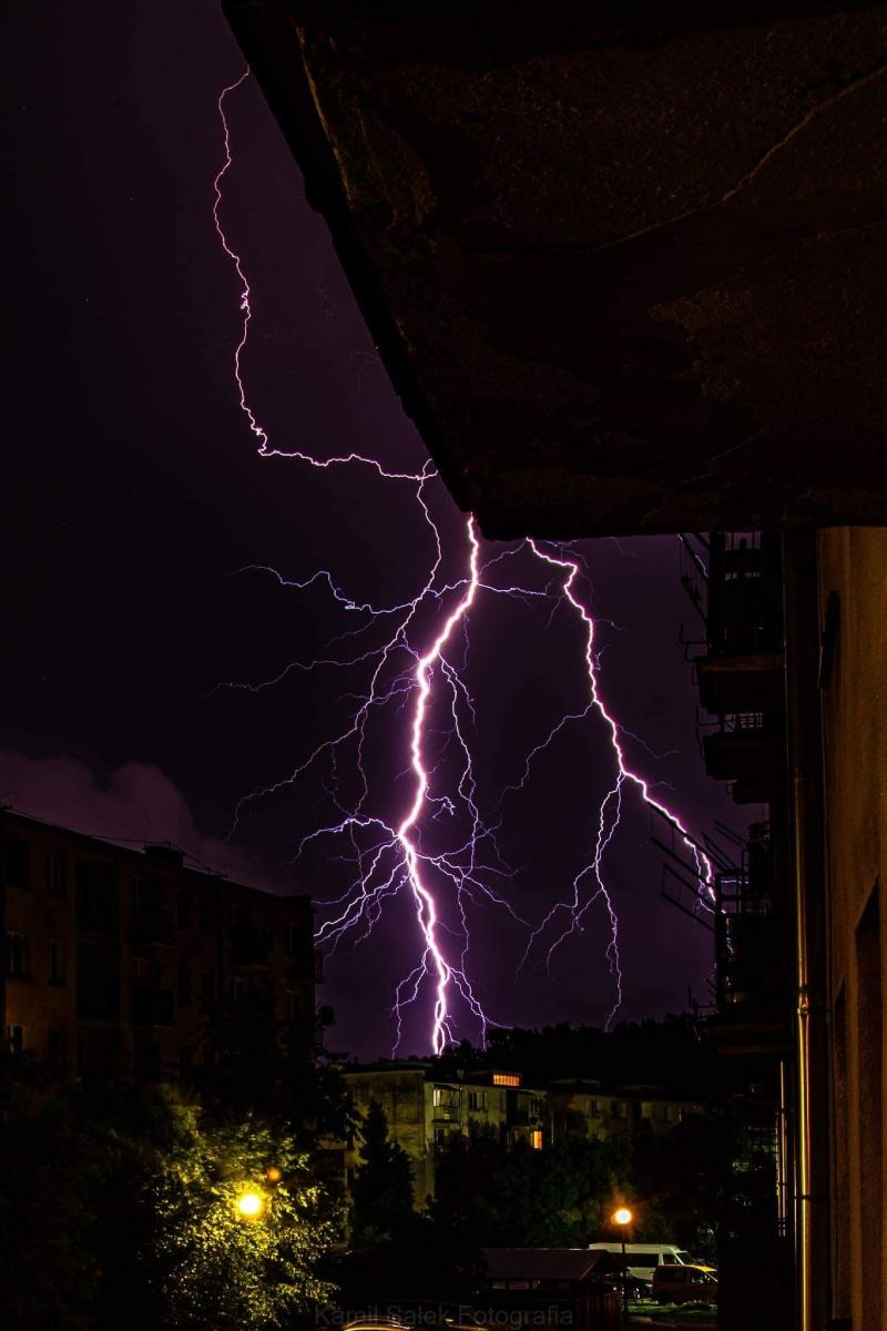 photo-contest-week-28-2021-kamil-salek-lightning-bolts
