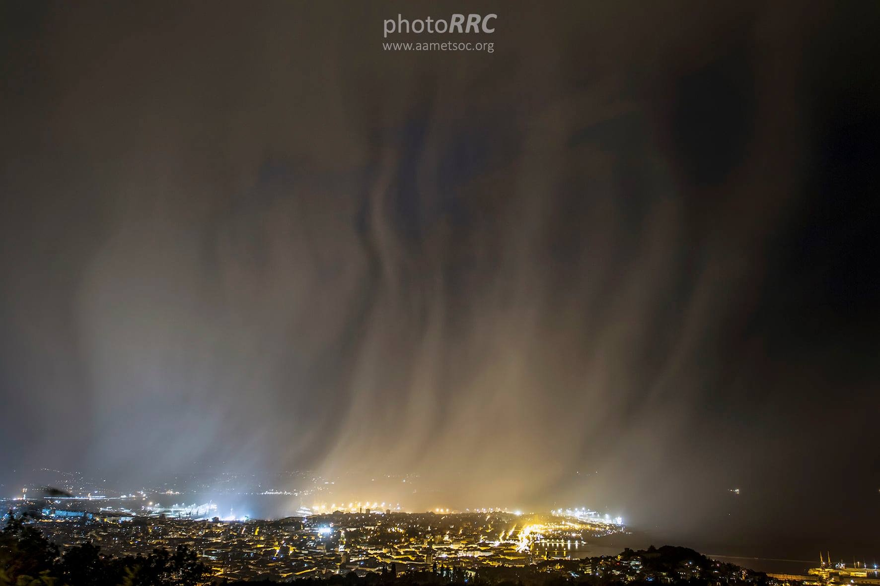 photo-contest-week-28-2021-renato-r-colucci-rain-curtains