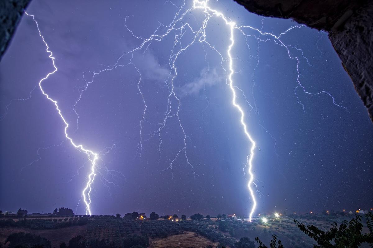 photo-contest-week-29-2021-Fiore-Lancia-lightning-strikes