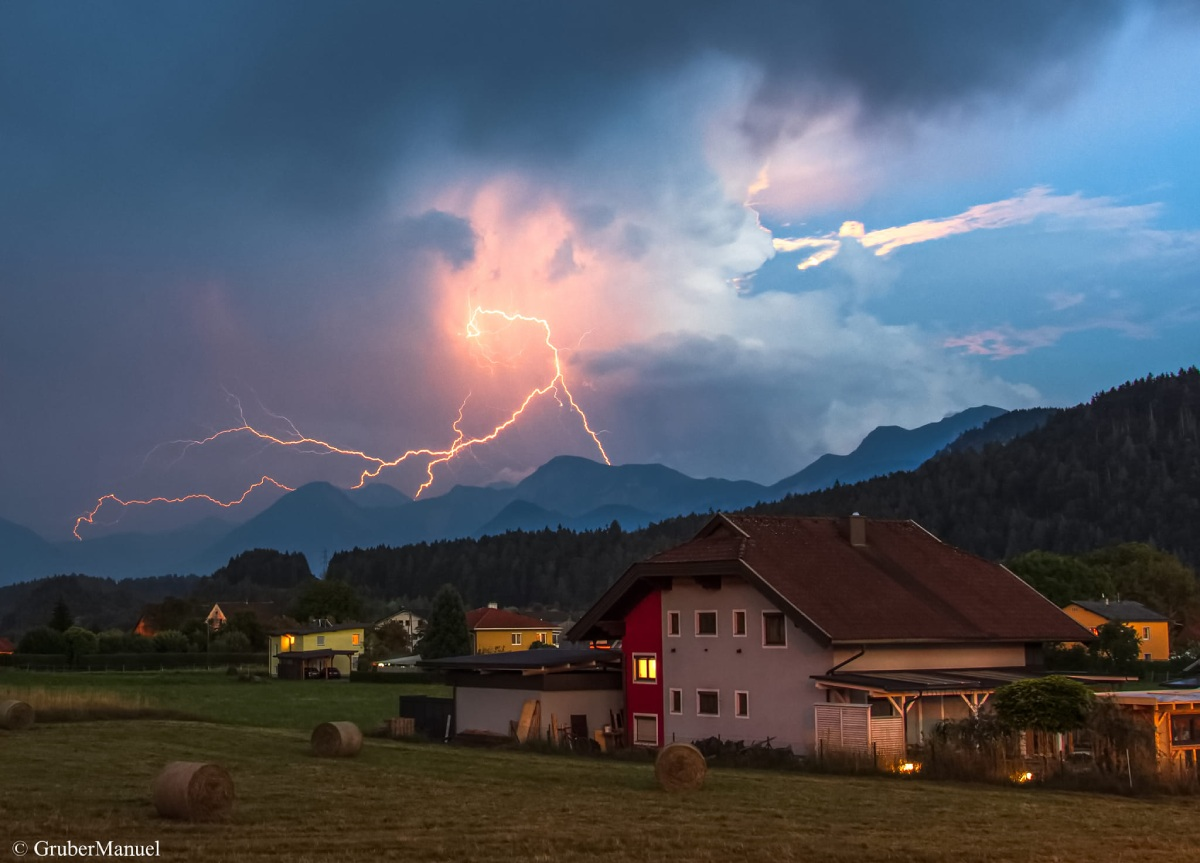photo-contest-week-29-2021-Manuel-Gruber-storm