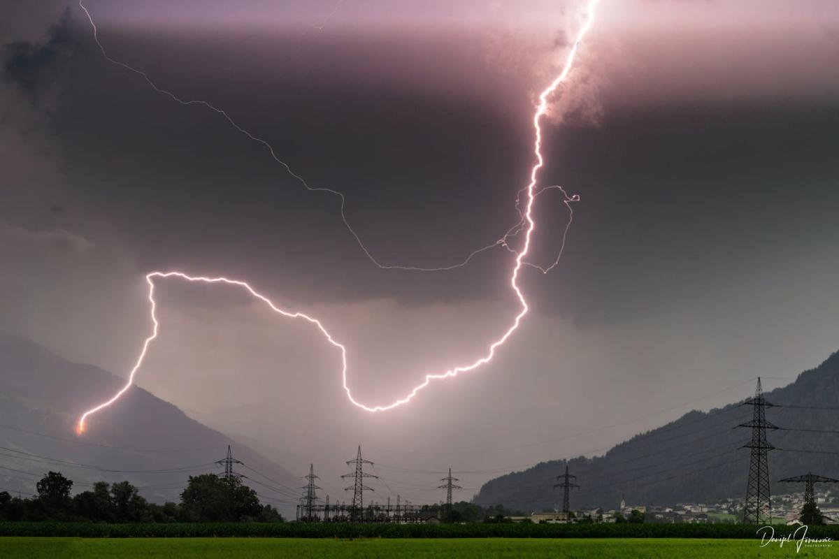 photo-contest-week-30-2021-Danijel-Jovanovic-lightning-strike