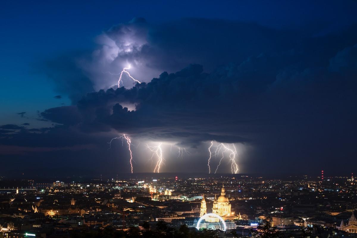 photo-contest-week-31-2021-Csaba-Wolf-isolated-storm
