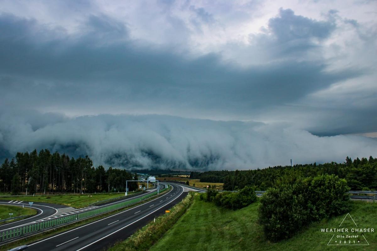 photo-contest-week-31-2021-Otto-Zachar-storm
