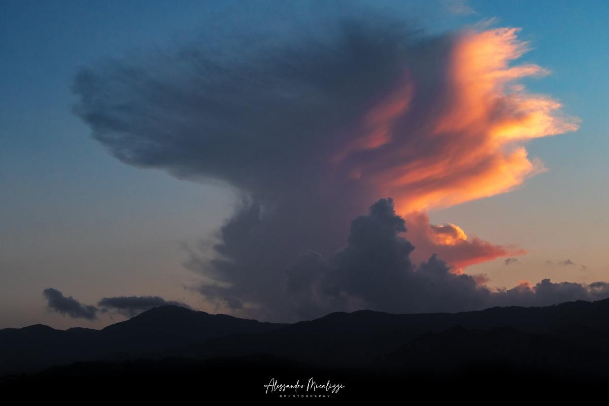photo-contest-week-34-Alessandro-Micalizzi-Photography-sunset-cumulonimbus