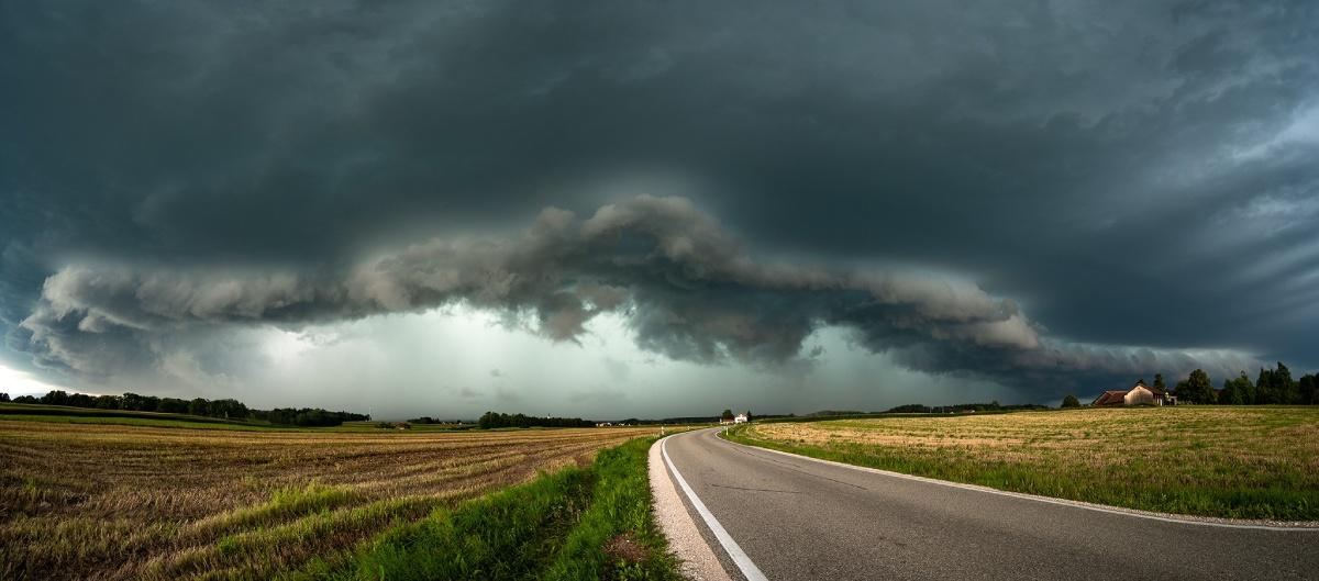 photo-contest-week-34-Florian-Sabo-thunderstorm
