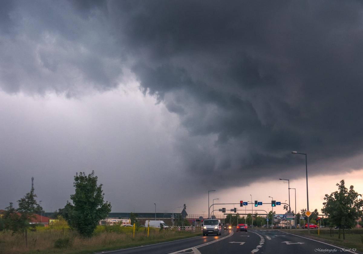 photo-contest-week-34-Kamil-Domowisz-storm