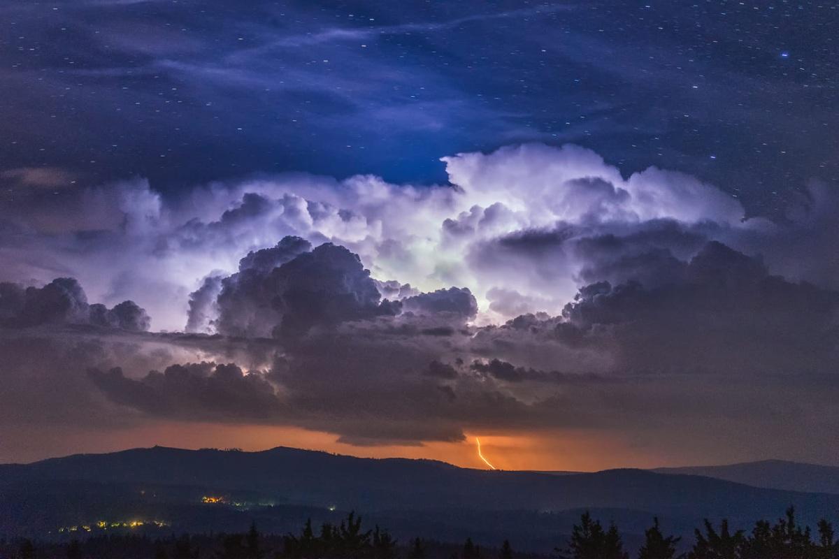 photo-contest-week-34-Lukas-Gallo-storm
