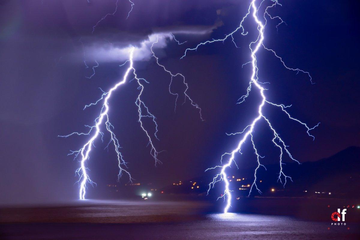 photo-contest-week-31-2021-Denis-Flego-lightning-strikes