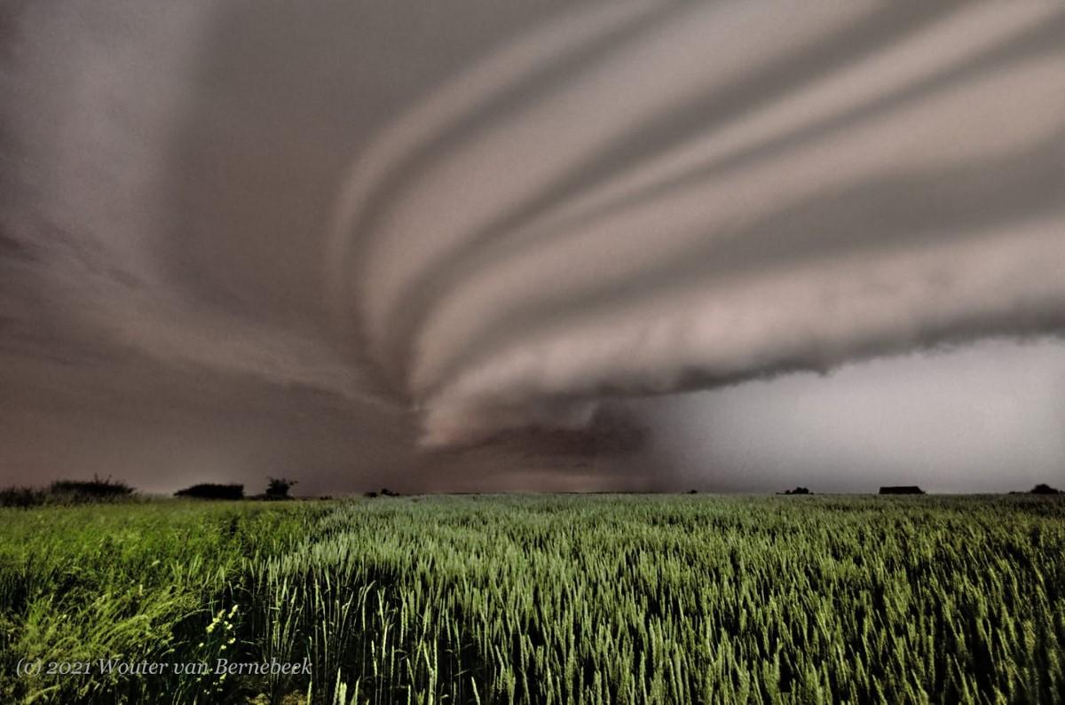 photo-contest-week-24-2021-wouter-van-bernebeek-supercell