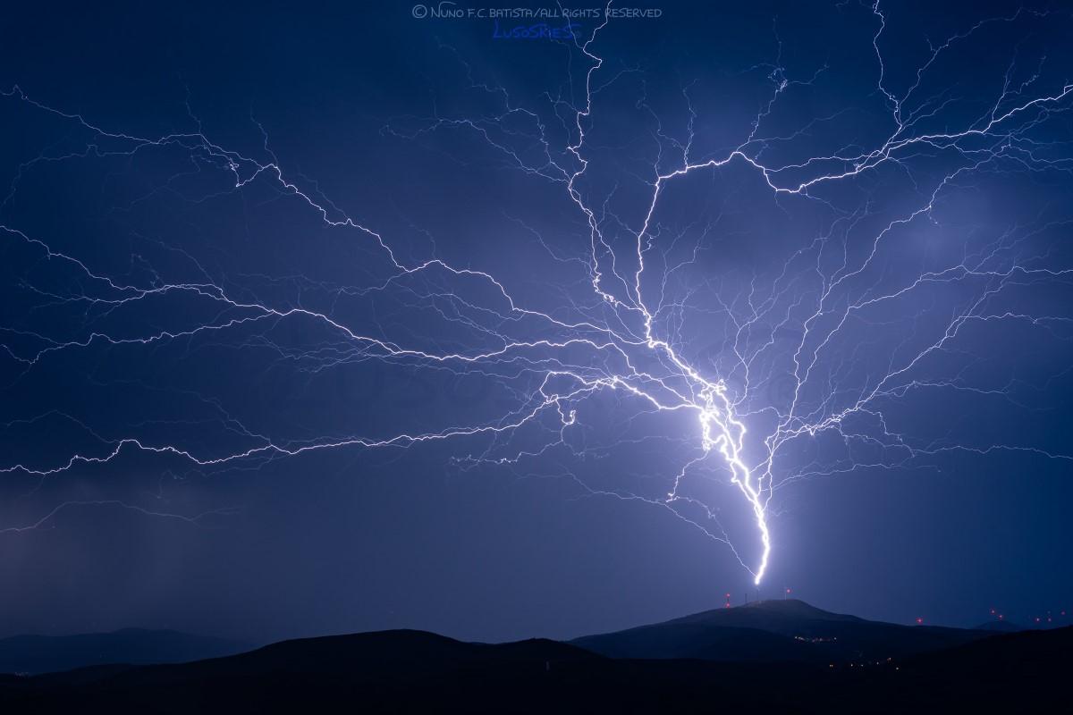 photo-contest-week-24-2021-nuno-batista-lightning