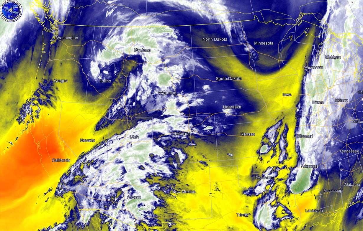tornado-season-2021-forecast-severe-weather-outbreak-satellite