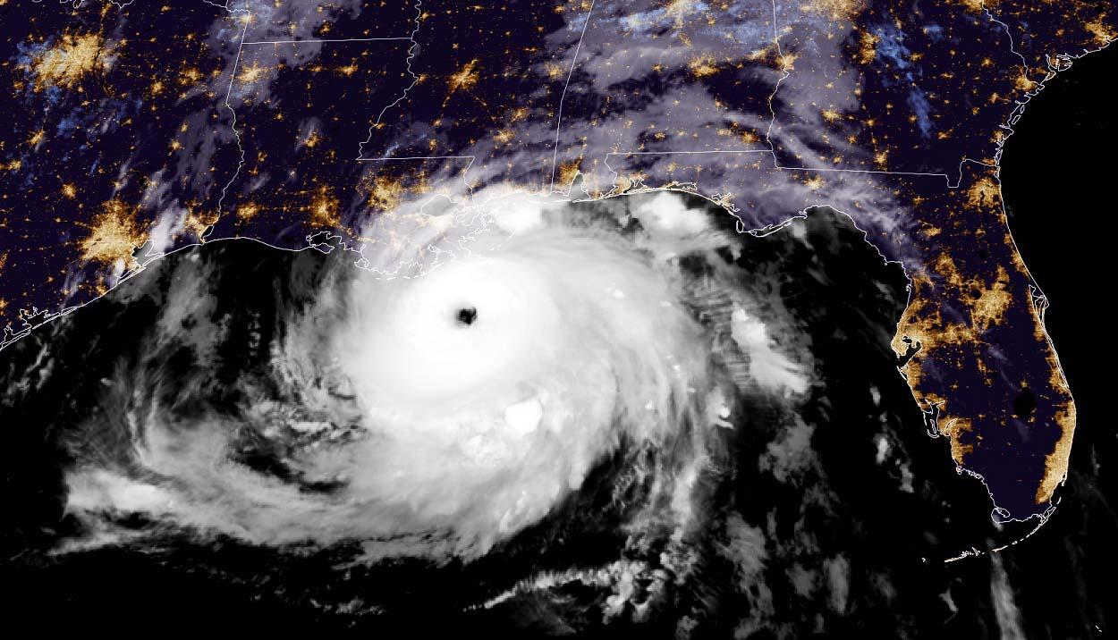 atlantic-hurricane-season-2021-ida-louisiana-geocolor-satellite