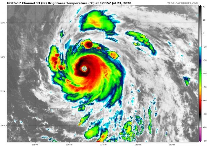 1_hurricane-douglas-irsat