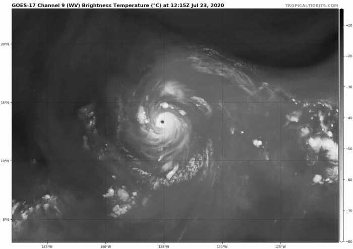 1_hurricane-douglas-wvsat