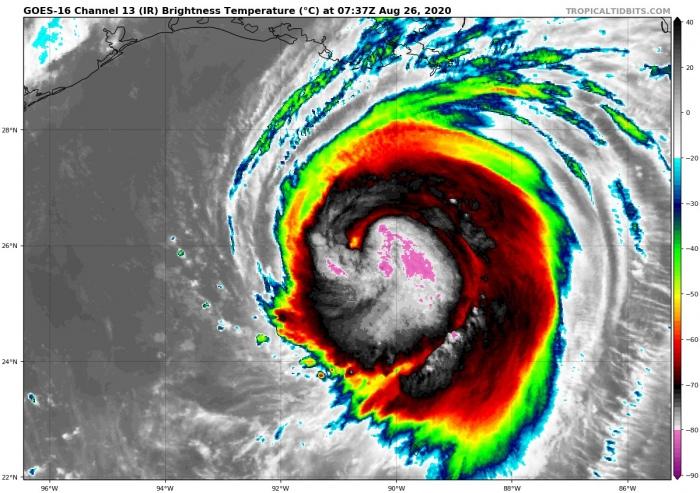 1_hurricane-laura-landfall-infrared-satellite