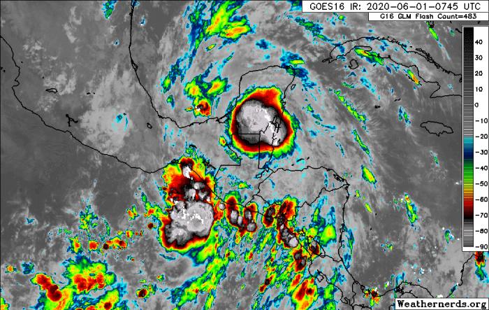 GOES16_1km_ir_202006010745_8.00_25.25_-106.50_-73.75_ir1_ltng16_hgwy_warn_weathernerds