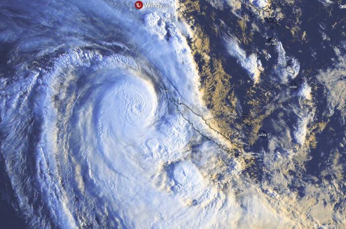 cyclone-niran-habana-new-caledonia-visible-satellite