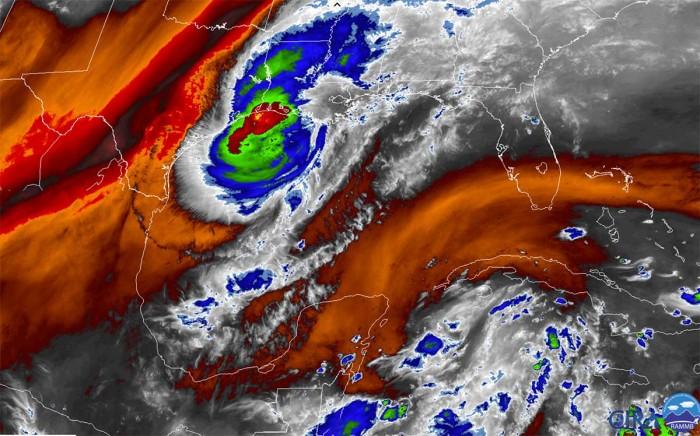hurricane-delta-storm-surge-landfall-louisiana-water-vapor-satellite