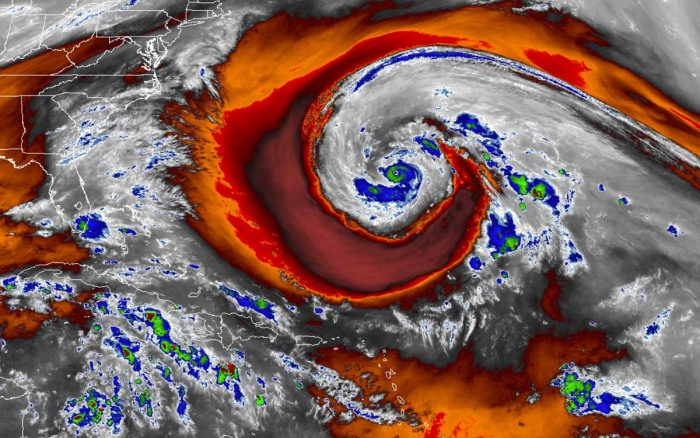 hurricane-epsilon-bermuda-atlantic-color-satellite