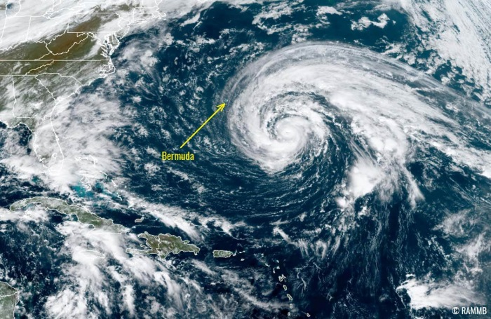 hurricane-epsilon-bermuda-atlantic-visible-satellite