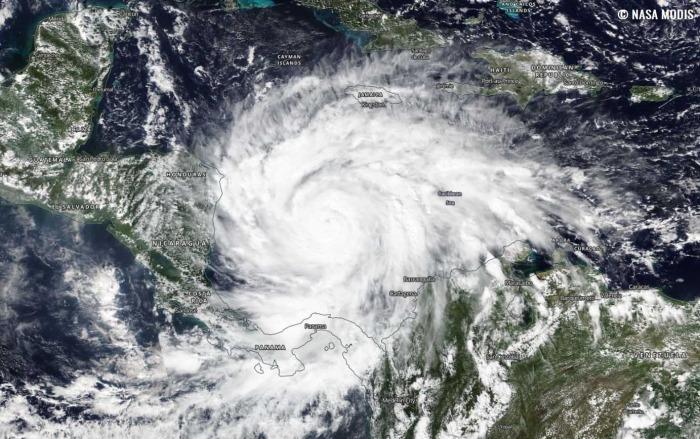 hurricane-iota-landfall-nicaragua-geocolor